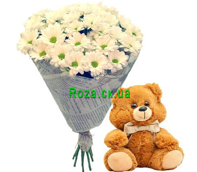 """Teddy Bear with a bouquet of chamomiles"" in the online flower shop roza.ck.ua"