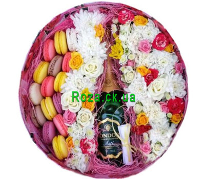 """Round box with flowers, macarons and champagne"" in the online flower shop roza.ck.ua"