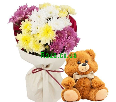 """""""Little bear with a bouquet of chrysanthemums"""" in the online flower shop roza.ck.ua"""