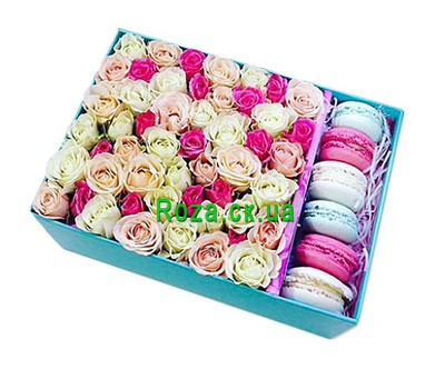 """Rectangular box with roses and macarons"" in the online flower shop roza.ck.ua"