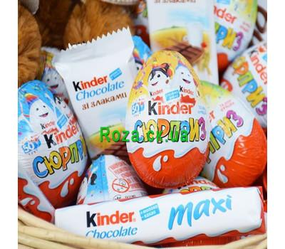 """""""Корзина со сладостями Kinder 3"""" в интернет-магазине цветов roza.ck.ua"""