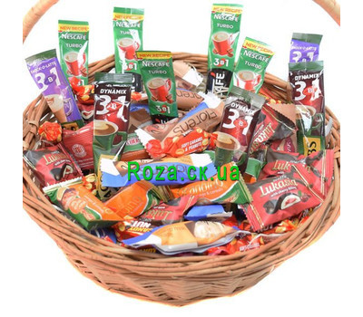 """""""Gift basket of sweets and coffee 2"""" in the online flower shop roza.ck.ua"""