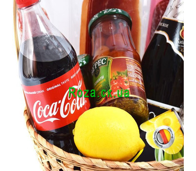 """""""Festive basket of champagne products 3"""" in the online flower shop roza.ck.ua"""