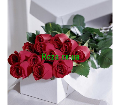 """15 red roses in a box"" in the online flower shop roza.ck.ua"