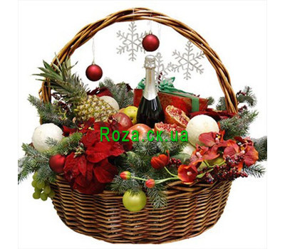 """""""Great Christmas basket"""" in the online flower shop roza.ck.ua"""