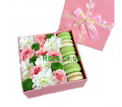 """Flowers and cakes"" in the online flower shop roza.ck.ua"