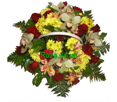 """Beautiful flowers basket"" in the online flower shop roza.ck.ua"