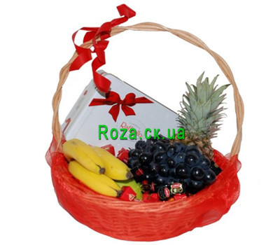 """Gift basket of fruits and sweets"" in the online flower shop roza.ck.ua"
