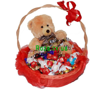 """Gift basket of chocolates and teddy bear"" in the online flower shop roza.ck.ua"