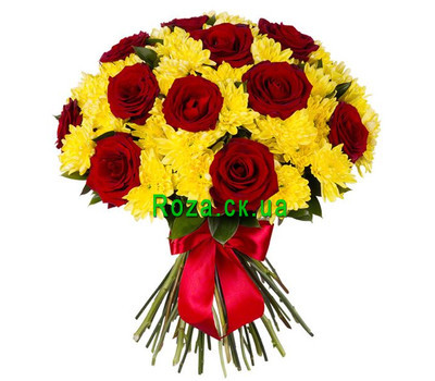 """""""Bright bouquet of roses and chrysanthemums"""" in the online flower shop roza.ck.ua"""
