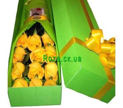"""""""Желтые розы в коробке"""" в интернет-магазине цветов roza.ck.ua"""