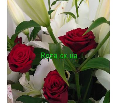 """""""Великий букет із лілій і троянд - вид 4"""" в интернет-магазине цветов roza.ck.ua"""
