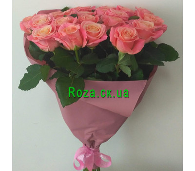 """Trendy roses in a bouquet 1"" in the online flower shop roza.ck.ua"