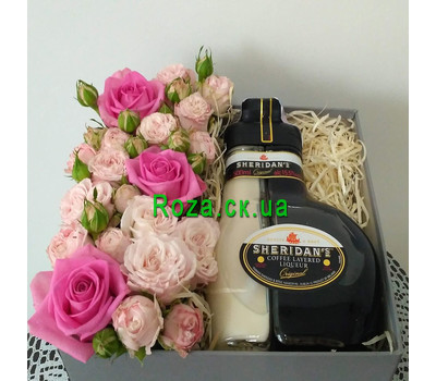 """Flowers with Sheridan's liqueur 6"" in the online flower shop roza.ck.ua"