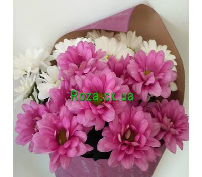 """""""Маленький букет из ромашек хризантем - вид 2"""" в интернет-магазине цветов roza.ck.ua"""