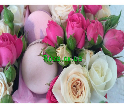 """""""Mini box with roses and pastries 6"""" in the online flower shop roza.ck.ua"""