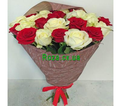 """""""Букет червоних і білих троянд - вид 4"""" в интернет-магазине цветов roza.ck.ua"""