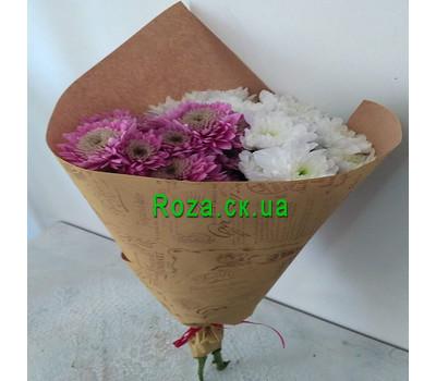 """""""Маленький букет из ромашек хризантем - вид 4"""" в интернет-магазине цветов roza.ck.ua"""